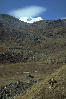 Le Mera Peak vu de la vallée de l'Hunku