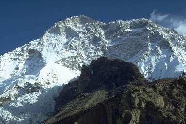 Le Makalu (8481m) vu depuis son Camp de Base