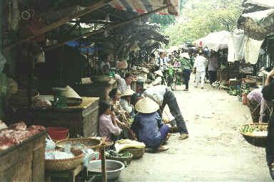 Un marché à Hanoï